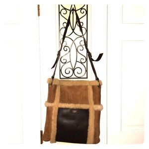 Gorgeous Ugg messenger shoulder bag